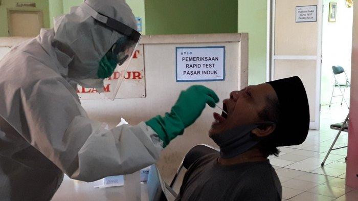 49 Orang Positif Covid-19, Seluruh Pedagang Pasar Induk Kramat Jati Diusulkan Tes Swab