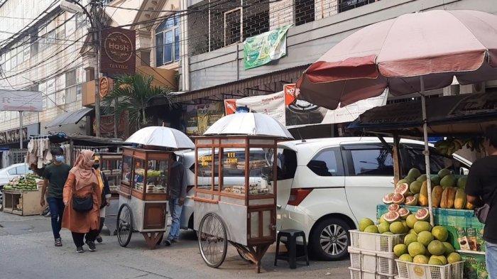 Kue Tradisional di Pasar Mayestik Sepi Pembeli: Dari Pagi Hingga Petang, Tepung 1,5 Kg Tak Habis