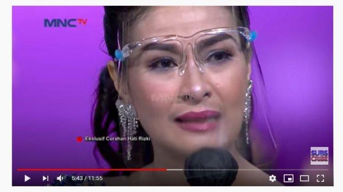 Dikomentari Jahat oleh Netizen, Iis Dahlia dan Rizki DA Nangis Tersedu: Silakan Puja Idola Kamu