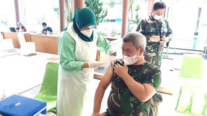 169 Pegawai Kemenhan Jalani Vaksinasi Covid-19 di RS Suyoto Jakarta Selatan