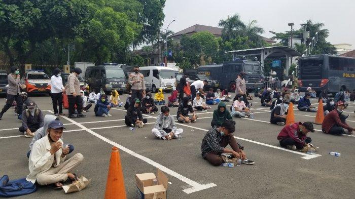 Polisi Fokus Sweeping Pelajar di Bawah Umur yang Hendak Ikut Demo ke Istana Negara
