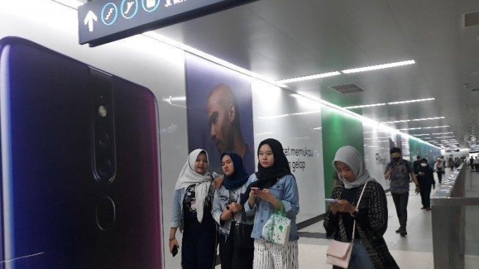Pelajar Pengguna MRT Jakarta Mengeluh Mahalnya Tarif Normal
