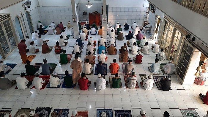 Masjid Baitul Muttaqin Bekasi Gelar Salat Iduladha 1442 H, Hanya Dihadiri Jemaah Pria