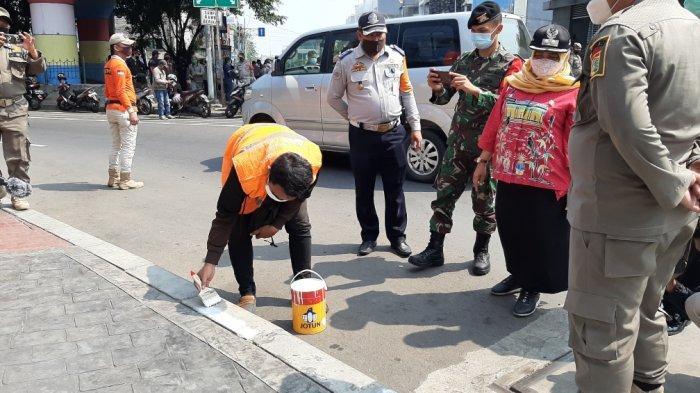 Satpol PP Kecamatan Menteng Siap Menindak Pelanggar di Gang hingga Tempat Publik
