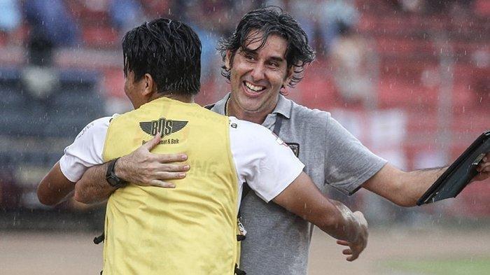 Ulang Prestasi Tahun Lalu, Stefano Cugurra Raih Gelar Juara dan Pelatih Terbaik Liga 1