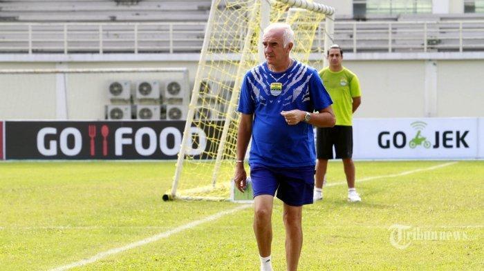 Mario Gomez Beri Sinyal Duet Bomber Maut Persib Bandung Bermain di Arema FC