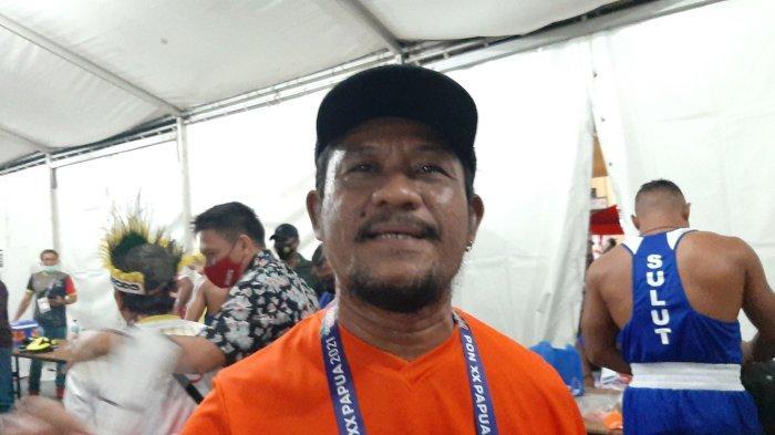 Pelatih tinju DKI Jakarta Hugo Gosseling