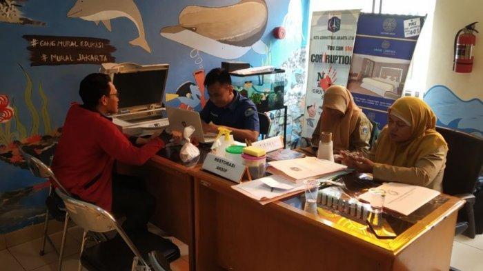 H+12 Pasca-Banjir Awal Tahun, Sudin Pusip Jakut Restorasi 100 Lembar dan Digitalisasi 926 Dokumen