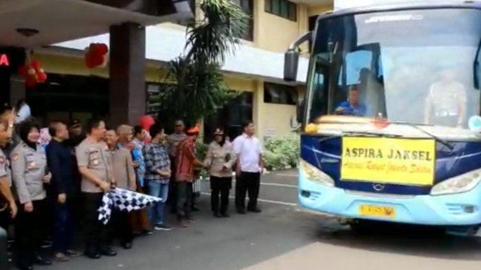 Fasilitasi Peserta Unjuk Rasa, Polres Metro Jakarta Selatan Sediakan Bus Aspirasi Rakyat