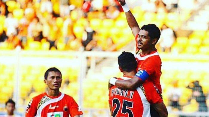 Pemain asing Pedro Javier ketika satu tim bersama Bambang Pamungkas dan Ismed Sofyan. (Media Persija).