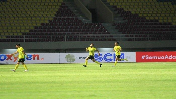 HASIL Piala Menpora Grup A: Nasib Arema FC di Ujung Tanduk, Barito Putera dan PSIS Punya Poin Sama