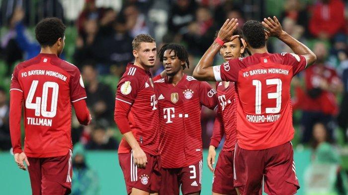 Pemain Bayern Munchen melakukan selebrasi