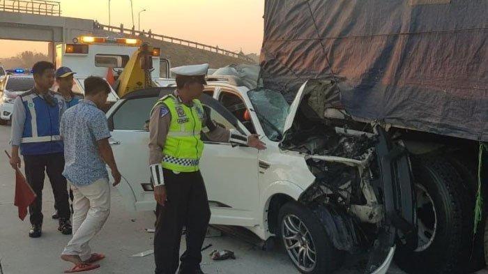 Mobil Ringsek saat Kecelakaan di Tol, Pemain Ketoprak Humor Ini Tewas & IGnya Banjir Ucapan Duka