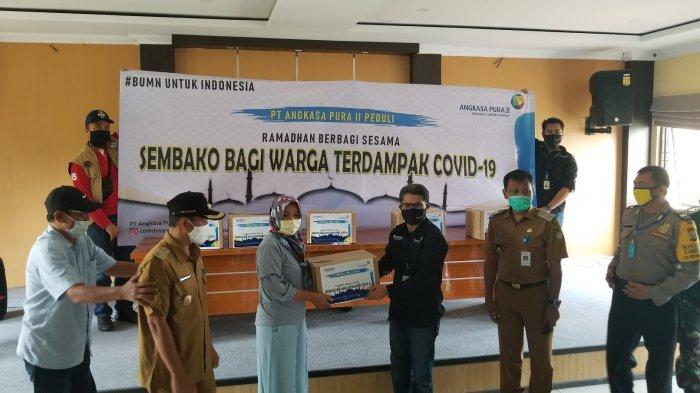 Angkasa Pura II Salurkan 3.000 Paket Sembako kepada Warga Sekitar Bandara Soekarno-Hatta