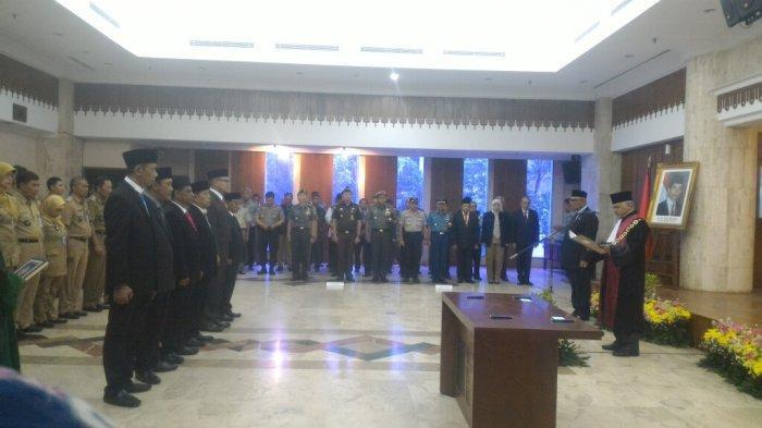 Kukuhkan Enam Dewan Kota, Wali Kota Jakarta Utara Pesan Tekankan Kerjasama Tim