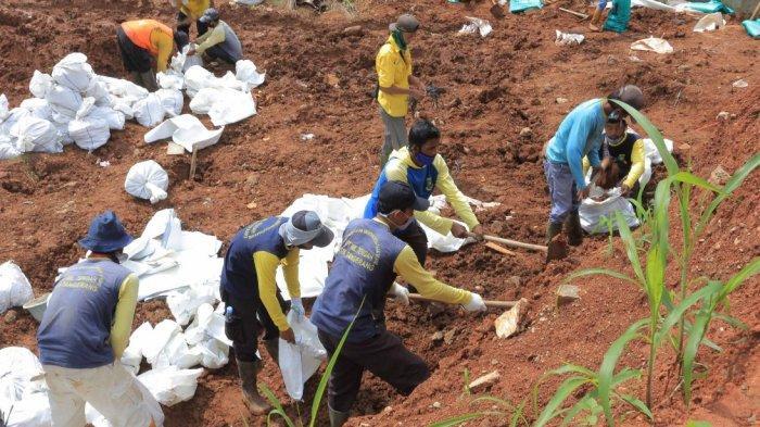 Antisipasi Cuaca Ekstrem, Pemkot Tangerang Mulai Beres-beres Tanggul