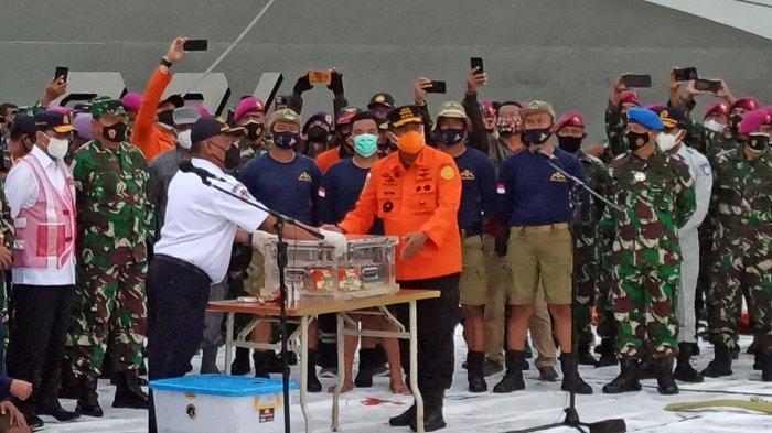 Tiba di Dermaga JICT II, Black Box FDR Sriwijaya Air SJ-182 Langsung Diserahkan ke KNKT
