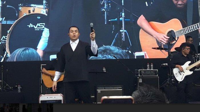 Tampil di Peringatan Hari Disabilitas, Lirik Lagu Tulus Diterjemahkan dalam Bahasa Isyarat