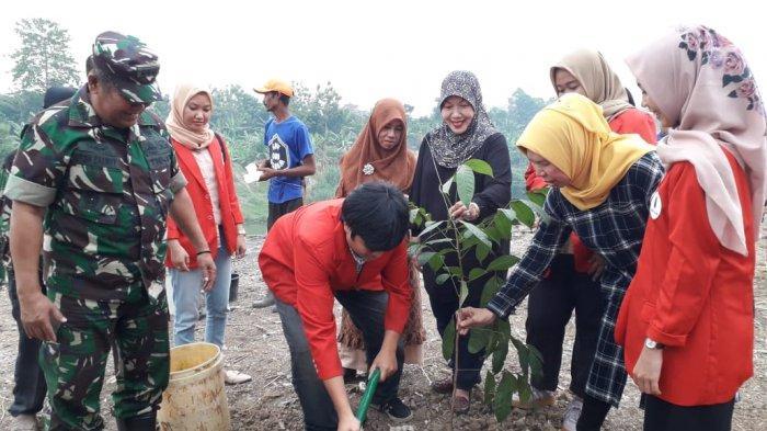 Penanggulangan Pencemaran Melalui Penanaman Pohon di Daerah Aliran Sungai Citarum