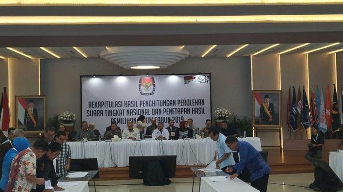 Minus Demokrat, Koalisi Adil Makmur dan Saksi BPN Prabowo-Sandi Tolak Teken Hasil Pemilu
