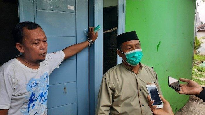 Para tetangga mendiang Ustadz Armand yang ditembak orang tak dikenal pada Sabtu (18/9/2021)
