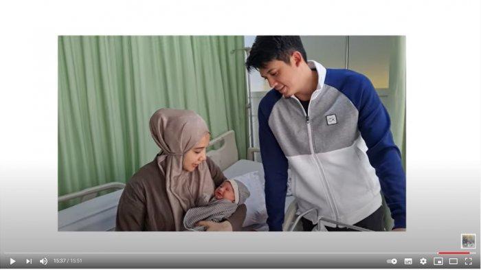 Pengalaman hari pertama Zaskia Sungkar dan Irwansyah jadi orangtua.