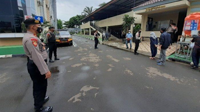 Ada Insiden Baku Tembak Polisi dan Anggota FPI, Pengamanan Mapolres Tangsel Diperketat