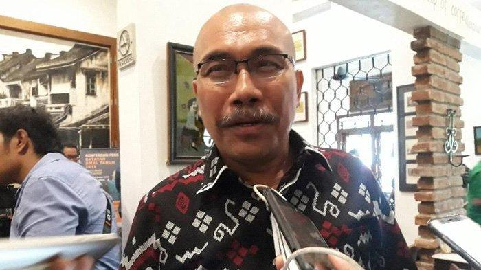 Azas Tigor Nainggolan Kritik Anies Baswedan Soal Kerumunan di Pasar Tanah Abang