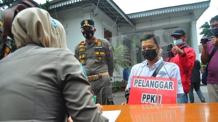 Pakai Kalung Pelanggar PPKM, Ini Wajah Seorang Pengendara Moge Dikawal Polisi ke Puncak Lolos Gage