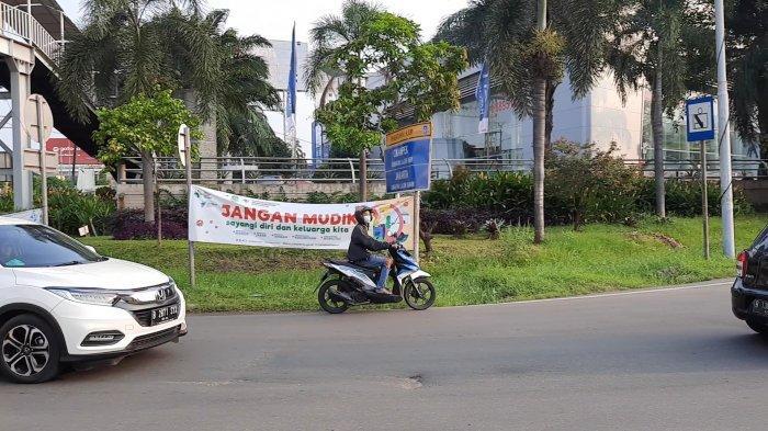 Banyak Pengendara Motor Nyasar Nyaris Masuk ke GT Bekasi Barat Gara-gara Lihat Google Maps - pengendara-motor-nyasar-nyaris-masuk-tol-bekasi-1.jpg