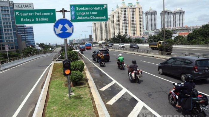 Banjir Jakarta: Tagar Wajah Baru Jakarta Jadi Trending hingga Sepeda Motor Masuk Jalan Tol