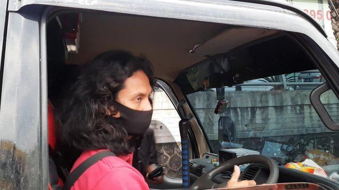 pengendara terjaring operasi larangan mudik di GT Bekasi Barat Jalan Tol Jakarta-Cikampek, Kamis (6/5/2021).