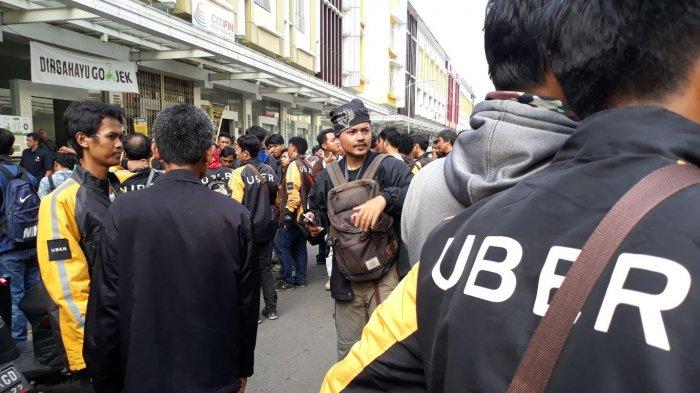 Driver Uber di Bekasi, Beberkan Alasan Beralih ke Gojek Ketimbang Grab