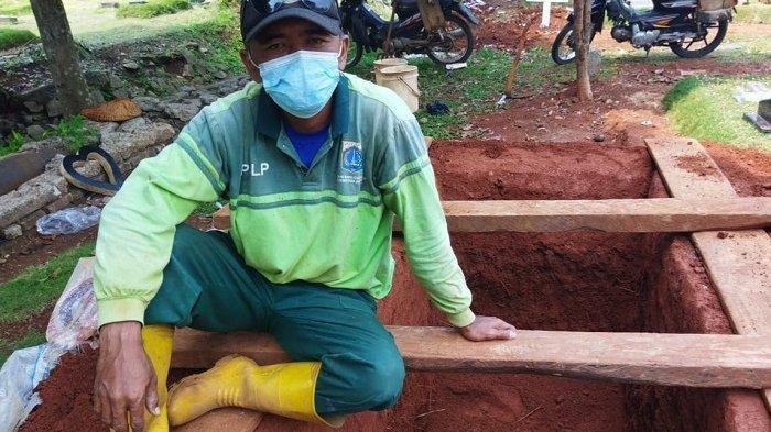 Lelah Tak Berujung Penggali Kubur TPU Pondok Ranggon, Makamkan 5.000 Jenazah hingga Dijauhi Tetangga