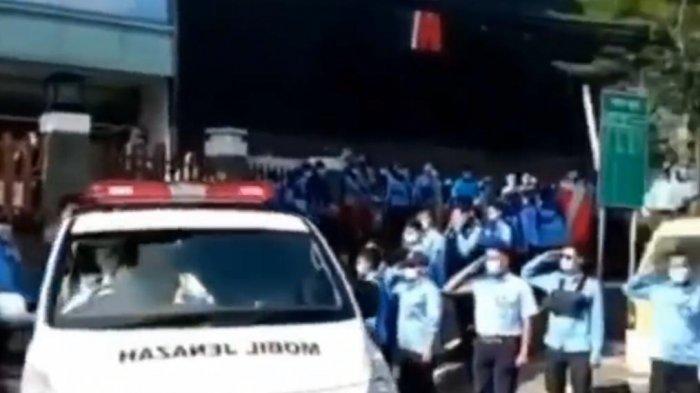 VIDEO Penuh Haru, Jenazah Petugas Medis di RS Tarakan Jakarta Dilepas dengan Penghormatan