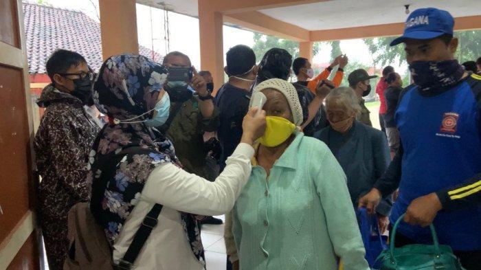 Barak Pengungsian Dilengkapi Bilik, Pengungsi Merapi Wajib Pakai Masker Hindari Penyebaran Covid-19