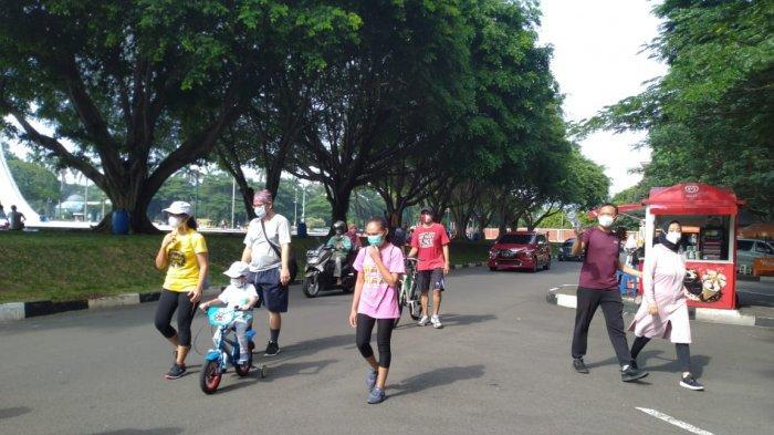 Suasana libur panjang H+2 di TMII, Jakarta Timur, Kamis (29/10/2020)