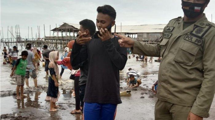 Pengunjung Wisata Pantai di Tangerang Tetap Membeludak saat Penerapan PSBB