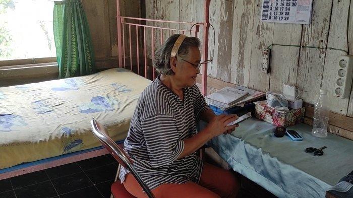 Demi Ketenangan, Kisah Pasutri Lansia Pilih Tinggal di Rumah Tengah Hutan