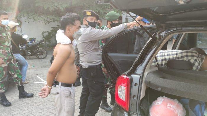 Panik Dikejar Massa, Aksi Penjambret Terhenti Usai Nyaris Tabrak Petugas di Pos PPKM Darurat