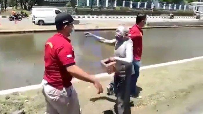 Viral Pensiunan Polisi Jadi Manusia Silver Demi Bertahan Hidup, Baju Ditarik Satpol PP saat Razia