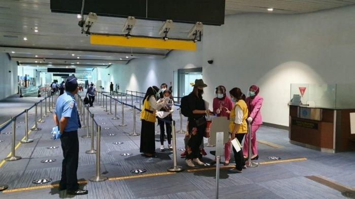 Jelang Ditutup, Ribuan Penumpang Tiba di Terminal Kedatangan Internasional Bandara Soekarno-Hatta