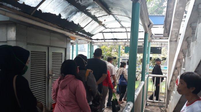 Pandemi Corona di Jakarta, Penumpang TransJakarta Harus Disiplin Jaga Jarak