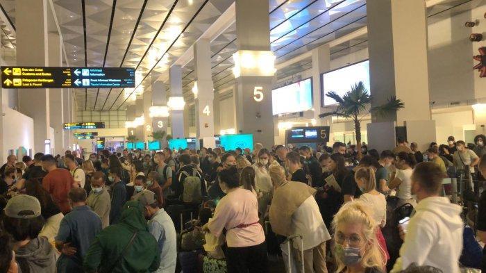 VIRAL Penumpukan WNA di Bandara Soekarno-Hatta Acuhkan Protokol Kesehatan, Ini Kata KKP