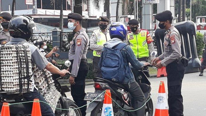 Antisipasi Massa Aksi Jokowi End Game, Polisi Perketat Pengamanan di Titik Penyekatan