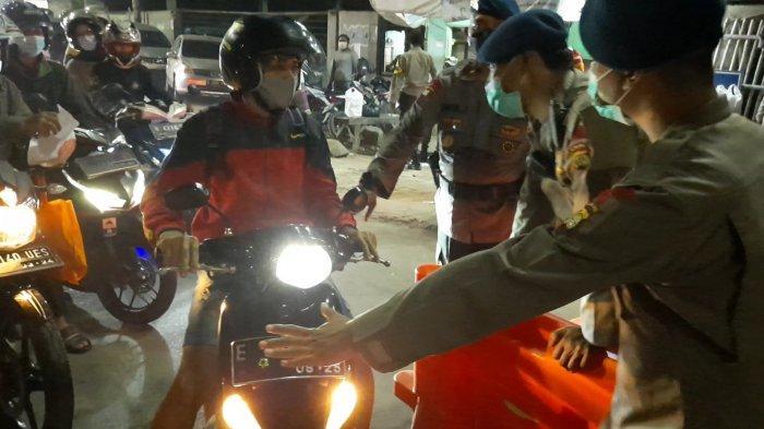 Melihat Proses Penyekatan di Kedungwaringin Perbatasan Bekasi-Karawang, Ratusan Personel Disiagakan
