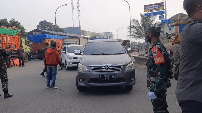 Cek Pintu Tol Balaraja Barat, Pangdam Jaya: Mobilitas Masyarakat Turun 50 % PPKM Darurat Hari ke-6