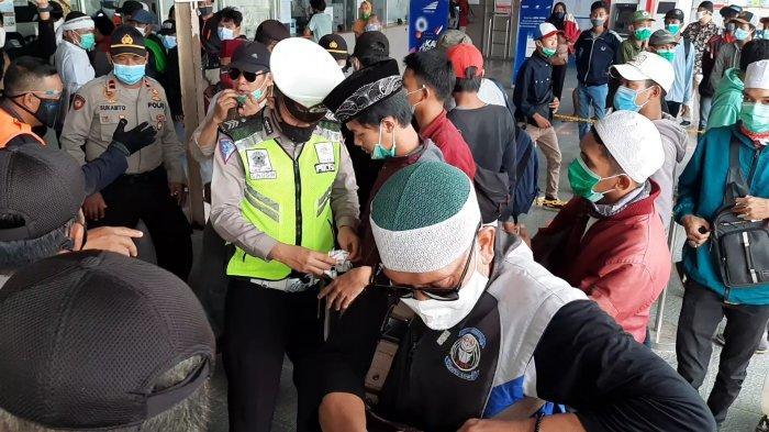 Penyekatan Mudik Lebaran 2021, Polda Metro Jaya Paksa 700 Kendaraan Putar Balik