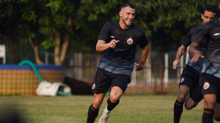 Penyerang asal Kroasia, Marko Simic akhirnya bergabung mengikuti latihan Persija Jakarta di Lapangan PSAU TNI AU, Halim Perdanakusuma, Jakarta Timur, Senin (7/9/2020).