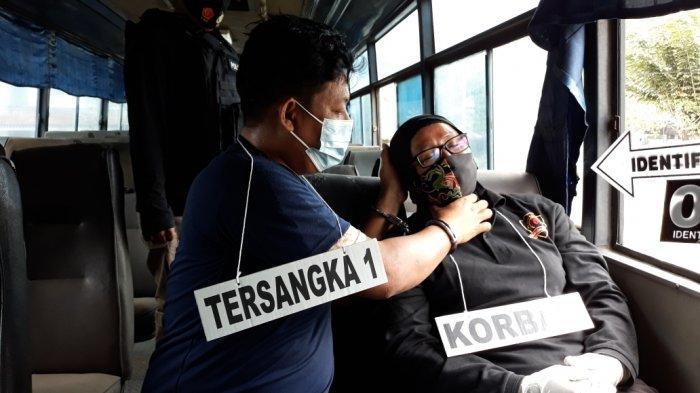 Rekonstruksi Pembunuhan, Indra Mengaku Sudah Berencana Membunuh Hilda Hidayah